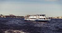 Прогулка по рекам и каналам Петербурга теплоходная экскурсия