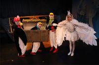 А третий пингвин в чемодане спектакль